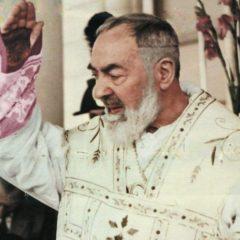 Preghiera potente per ottenere un miracolo da Padre Pio