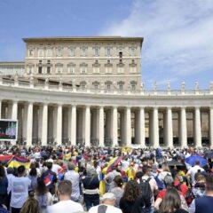 Papa Francesco, prega per la pace in Libano, il 1 luglio incontro in Vaticano