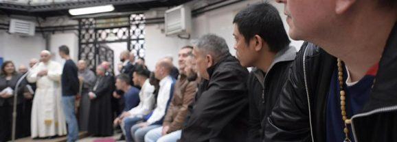 Papa Francesco incontra i detenuti di Rebibbia: «Grazie per il dono della speranza»