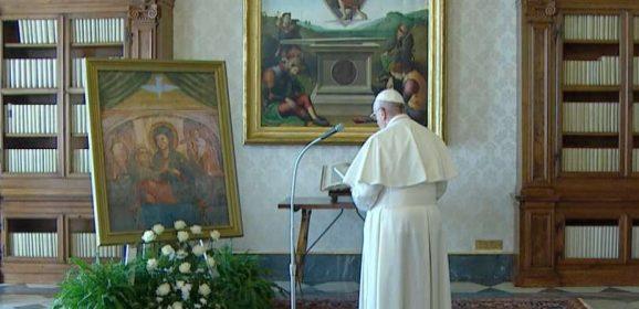 """Papa Francesco, """"Sotto la Tua protezione cerchiamo rifugio, Santa Madre di Dio"""""""