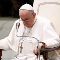 Papa Francesco addolorato per l'omicidio di padre Olivier