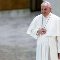 Papa Francesco: non parlare della fede come in passato, i giovani non capirebbero
