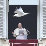 """Papa Francesco: """"riconoscersi piccoli è il punto di partenza per diventare grandi"""""""